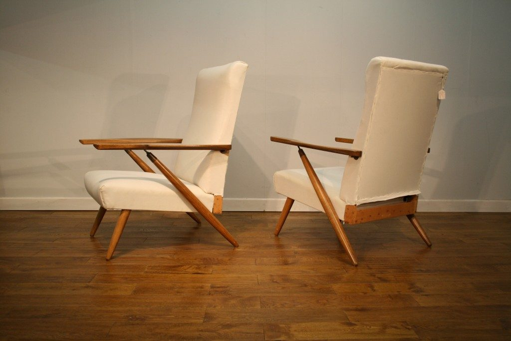 A pair of reclining armchairs by Beautility - Vintage Retro
