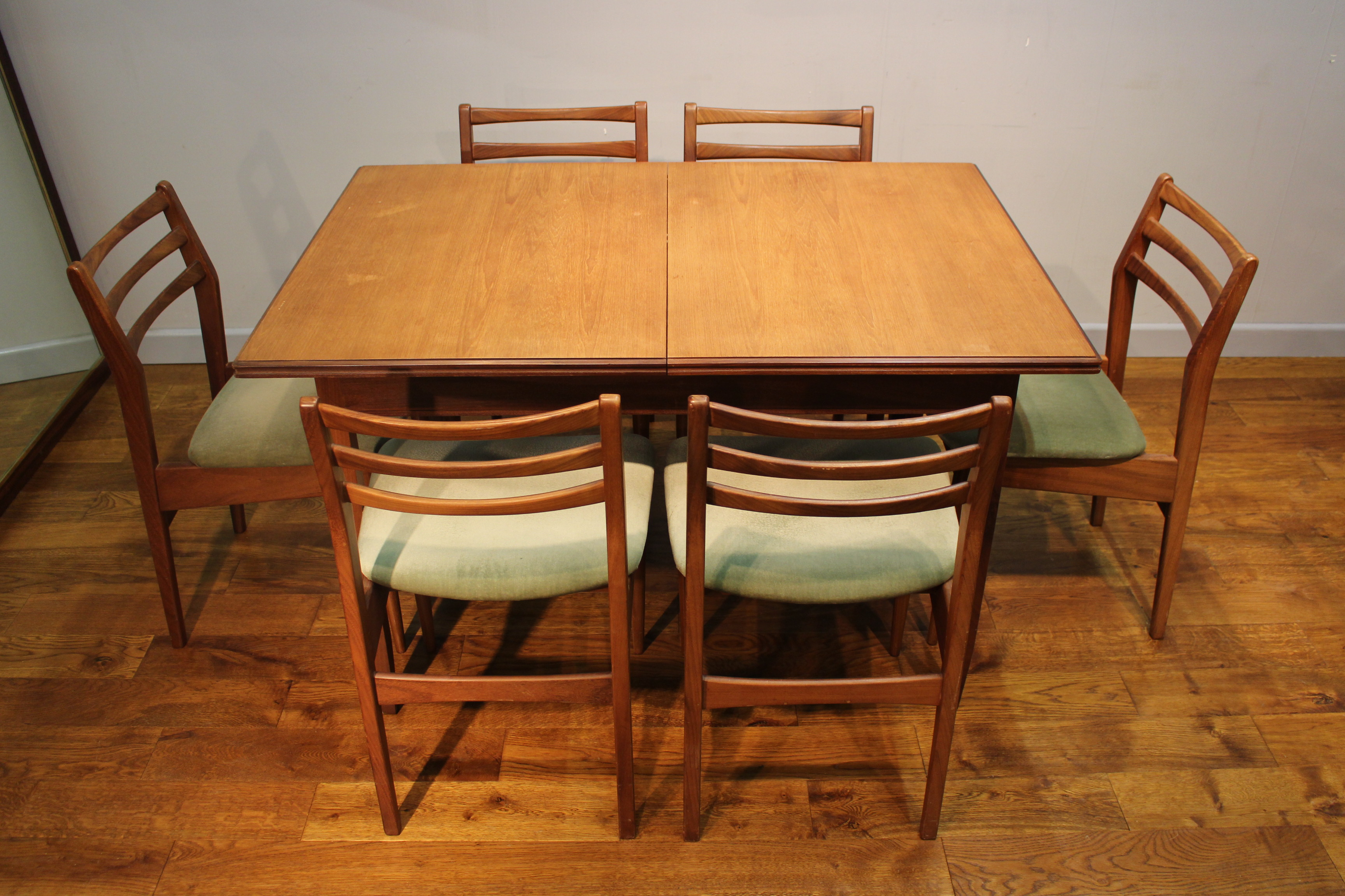 White And Newton Dining Table And Six Dining Chairs
