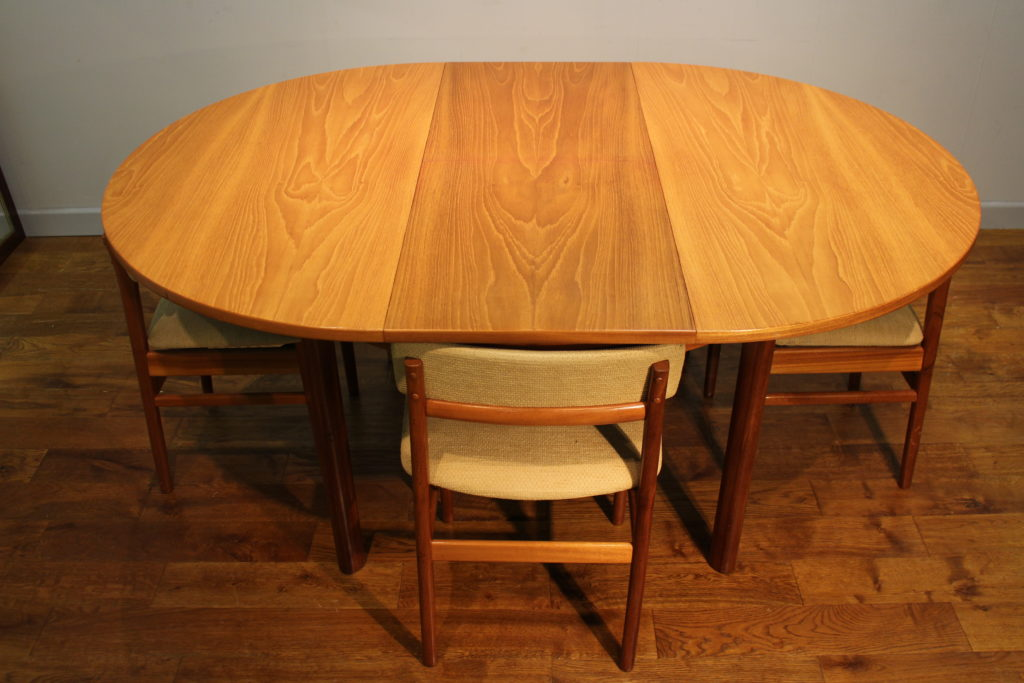 S Vintage White And Newton Of Portsmouth Teak Dining Table And - Teak table and 4 chairs