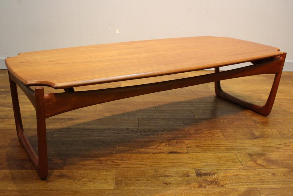 Smart 1960s Teak Coffee Table Manner Of Peter Hvidt Vintage Retro