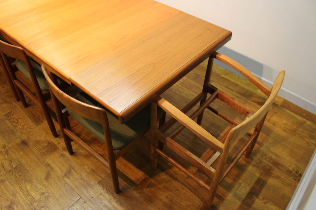 A Younger 810 seat Sequence teak dining table c 1968  : a younger large sequence teak dining table 2 1024x683 from www.vintageretro.co.uk size 1024 x 683 jpeg 127kB